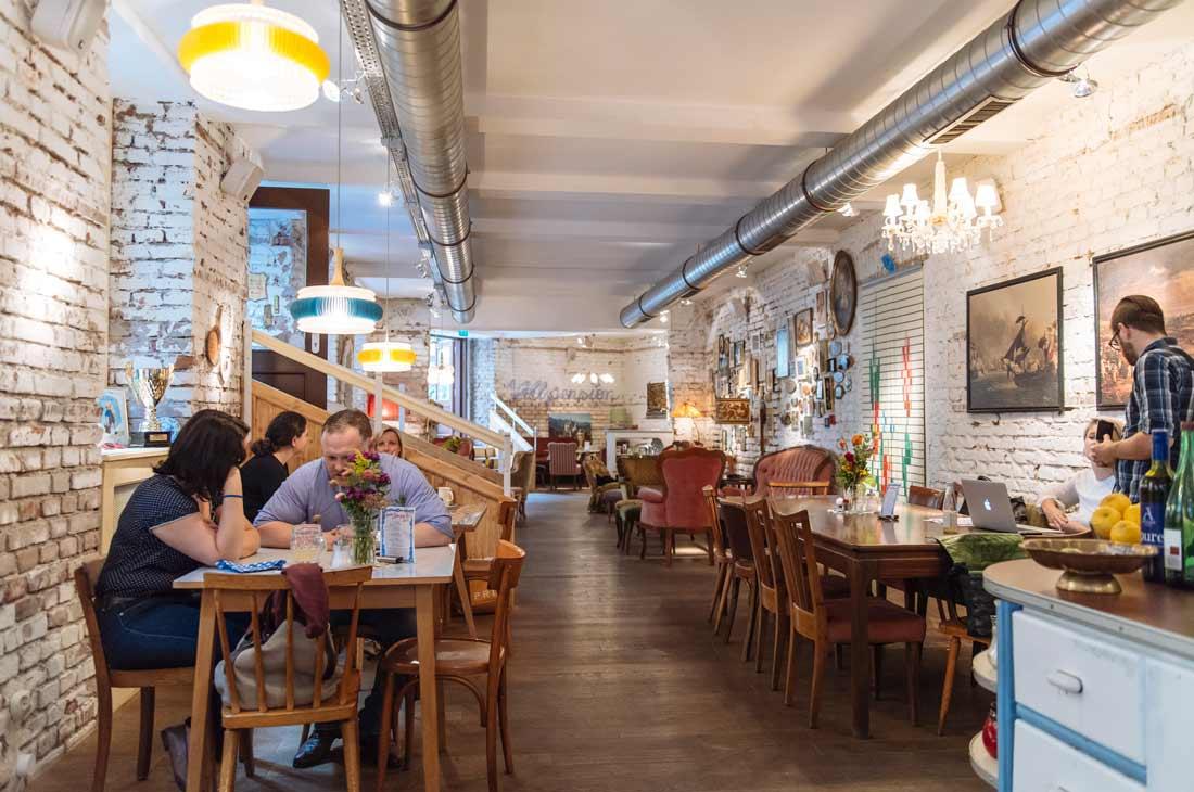 Cafe Nest  Wien